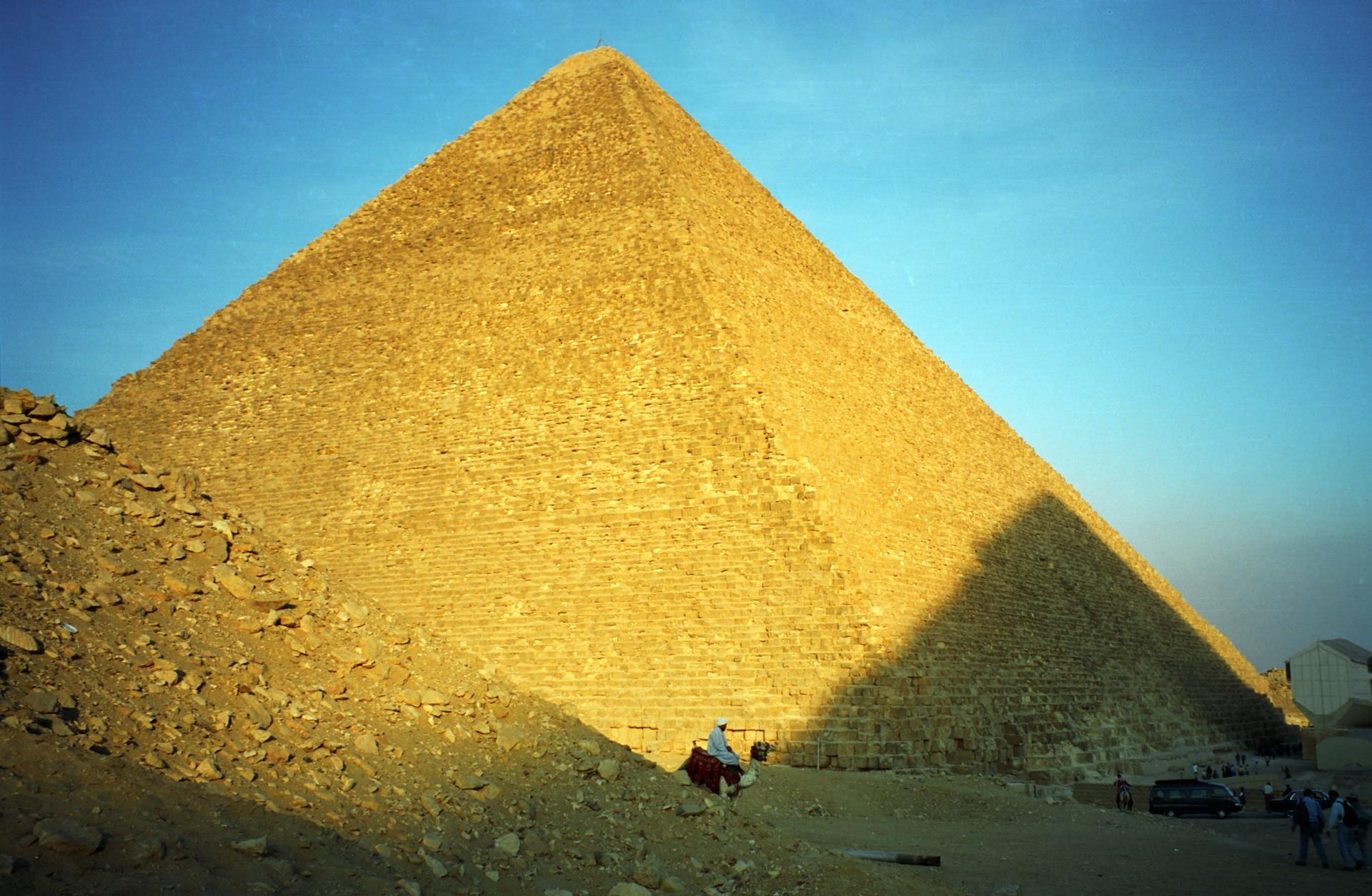 platre-pyramide-egypte